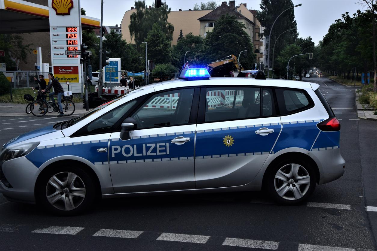 """Un adolescent înarmat cu o """"armă"""" din Lego a declanșat alarma într-un restaurant din sudul Germaniei"""
