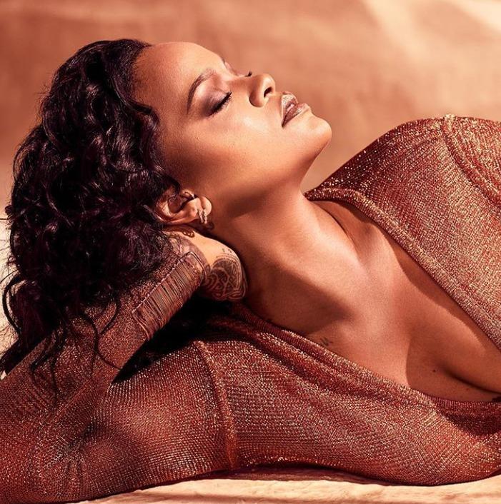 Rihanna în ipostaze incendiare. Cum a apărut artista într-un catalog pentru Valentine's Day