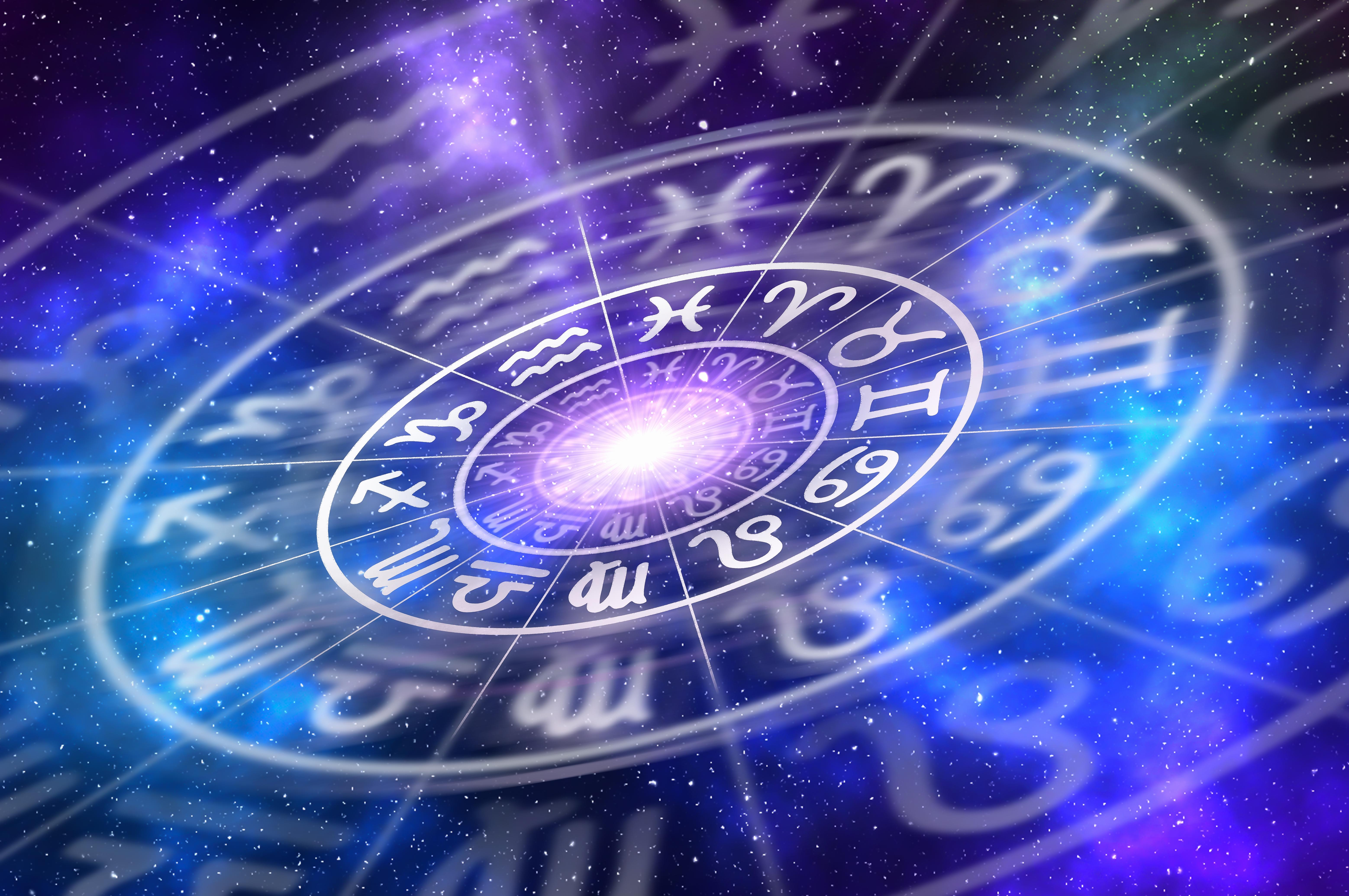 """Horoscopul lunii martie. Astrolog: """"Va fi plină de evenimente spectaculoase"""""""