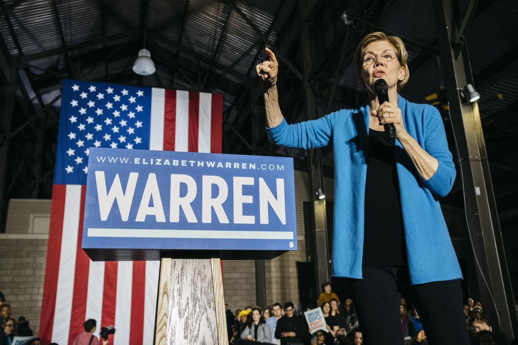 Senatoarea Elizabeth Warren se retrage din cursa pentru învestitura democrată