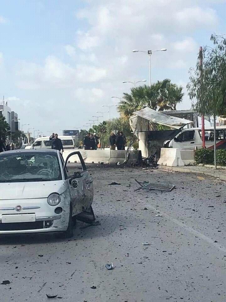 Un terorist sinucigaş s-a aruncat în aer lângă ambasada SUA din Tunis