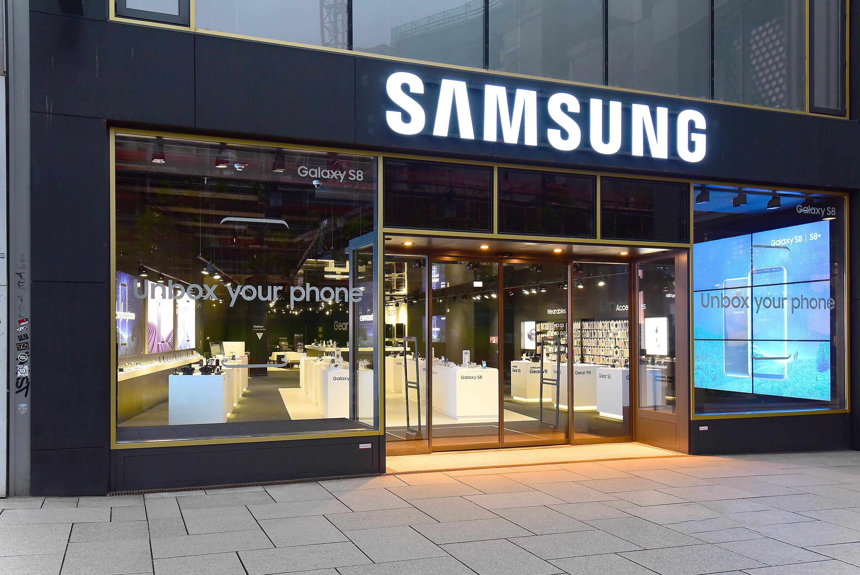 """Smartphone-ul Samsung Galaxy M32 va fi lansat luna aceasta. """"Funcţii excepţionale la un preţ accesibil"""""""