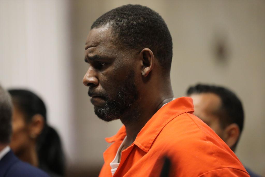 R. Kelly, acuzat de abuz de minori şi trafic de persoane, a fost atacat în închisoare