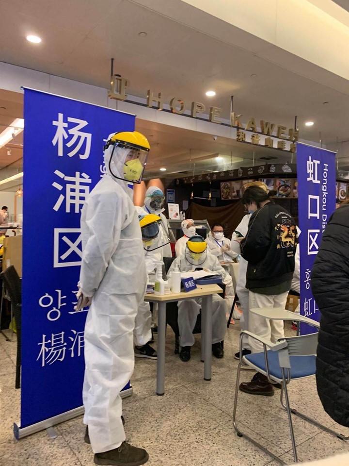 Campanie de testare în masă la aeroportul din Shanghai, după șase cazuri de Covid-19