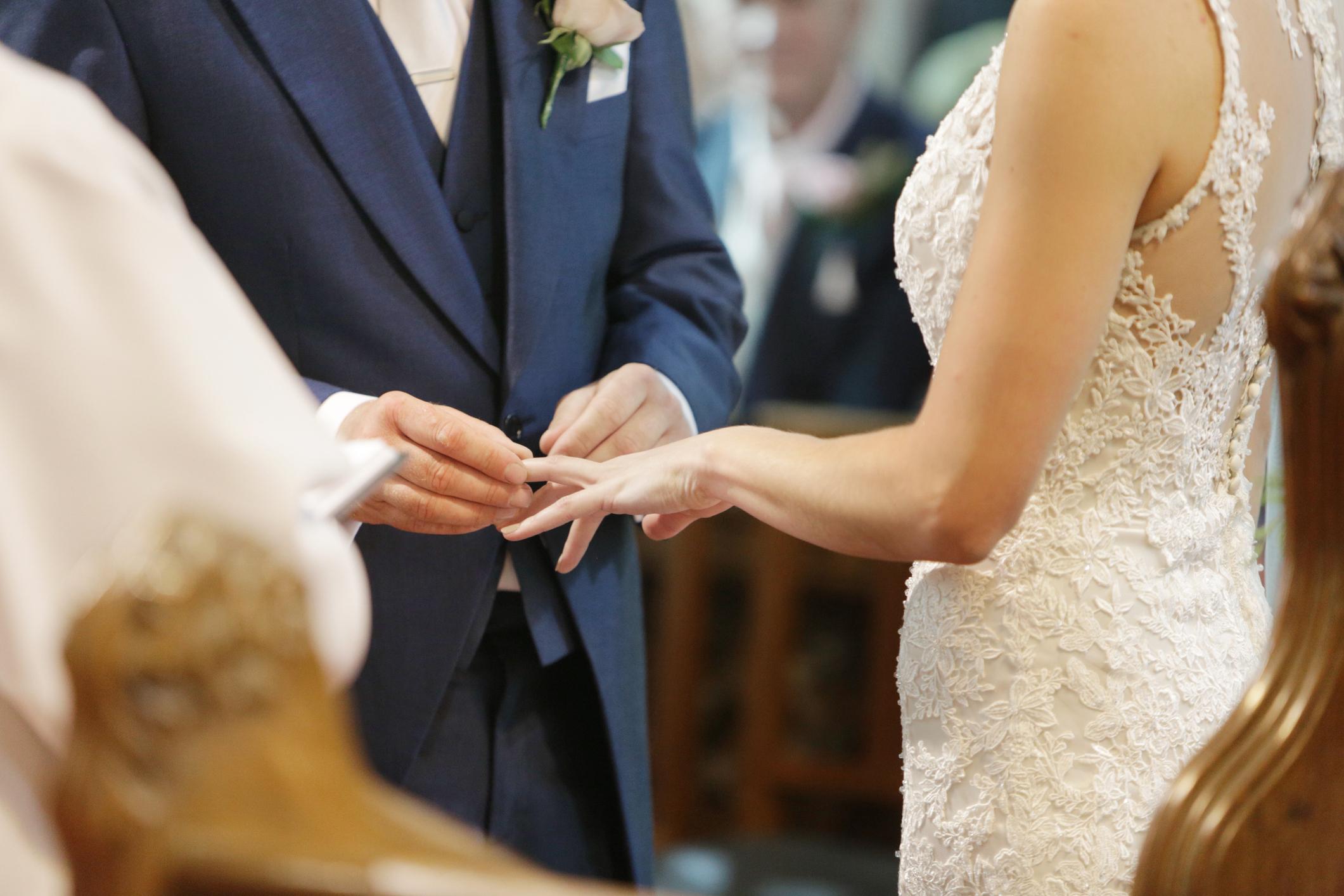 Site- ul gratuit de nunta musulmana Caut divorțate bărbați din Brașov