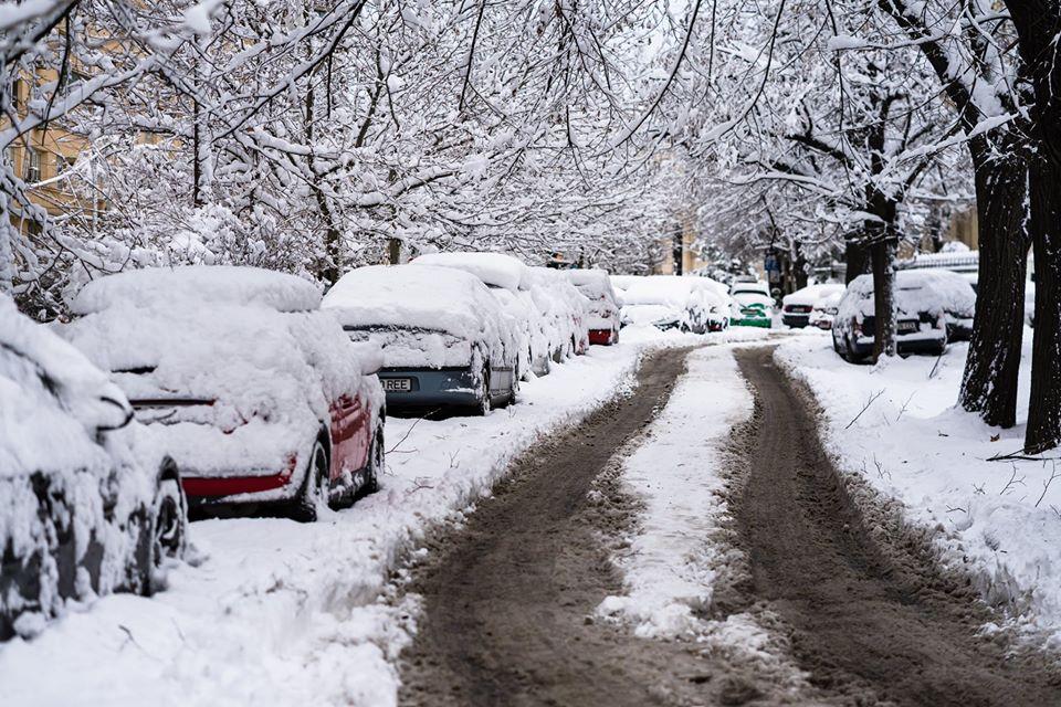 CNAIR îndeamnă șoferii să conducă doar dacă au mașinile echipate pentru condiţii de iarnă