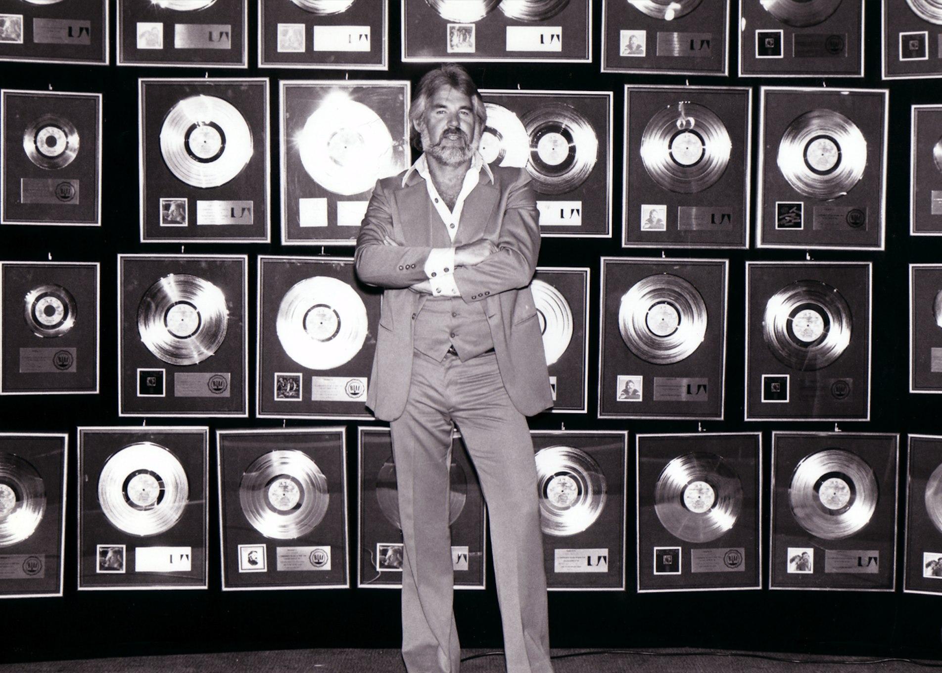 A murit cântăreţul de muzică country Kenny Rogers