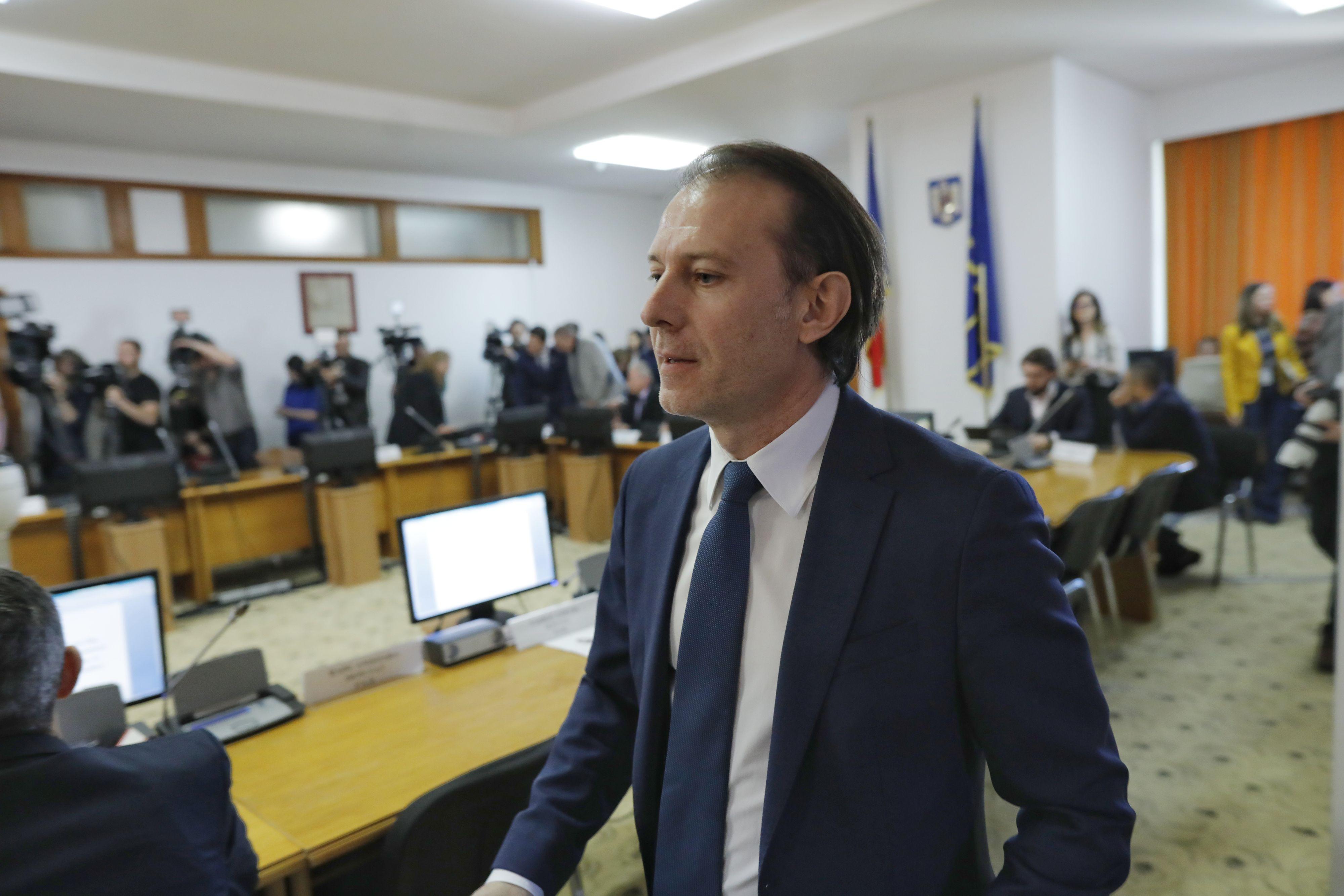 Cîţu, pentru românii care amână plata ratelor: Să înţeleagă că nu înseamnă iertare, trebuie să fie cumpătaţi