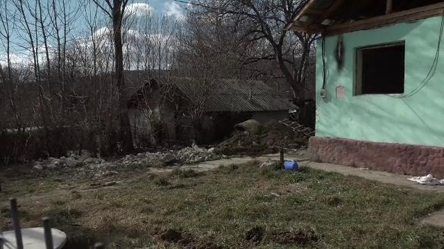 Un bărbat din Buzău dat dispărut de familie a fost găsit îngropat în fosa septică a unui prieten