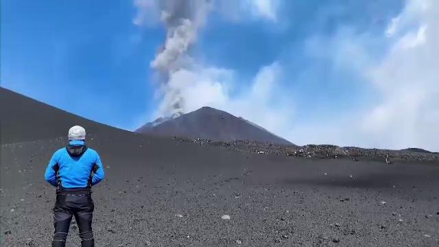 """Vulcanul Etna a erupt pentru a șaptea oară în două săptămâni. """"A fost foarte intensă"""""""