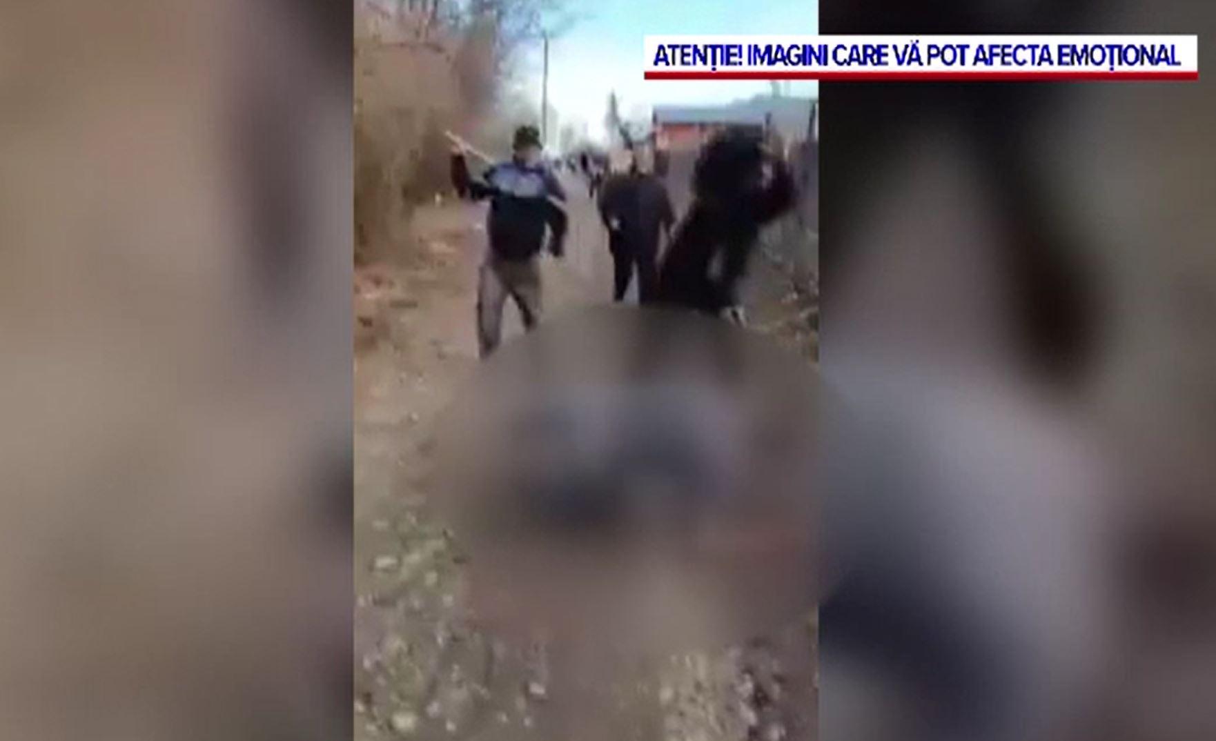 Scene de violență cruntă în Iași. Un bărbat, bătut cu bâtele de trei indivizi