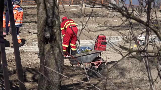 Sfârșit tragic pentru un bărbat de 41 de ani. A murit zdrobit de un utilaj în timp ce lucra la construirea unui gard