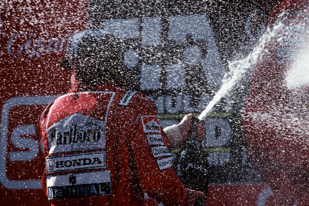 Piloţii de Formula 1 nu vor mai sărbători cu şampanie pe podium, punând capăt unei tradiții de 50 de ani. Care este motivul