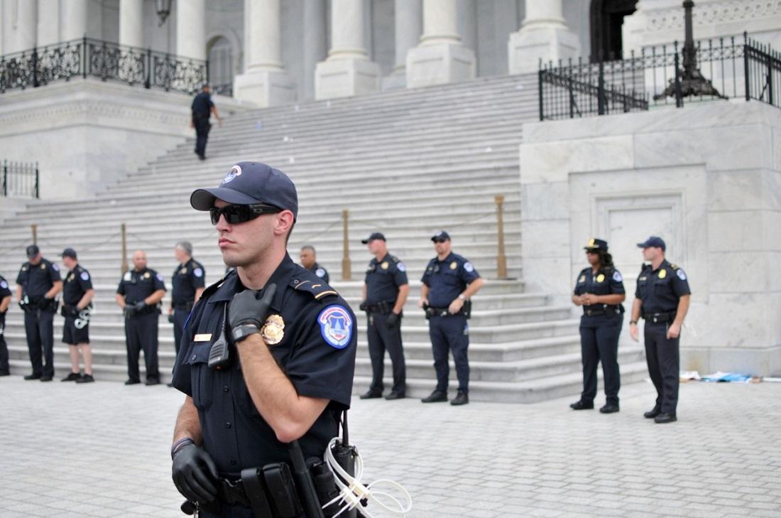 Val de sinucideri în rândul polițiștilor care au intervenit la atacul asupra Capitoliului