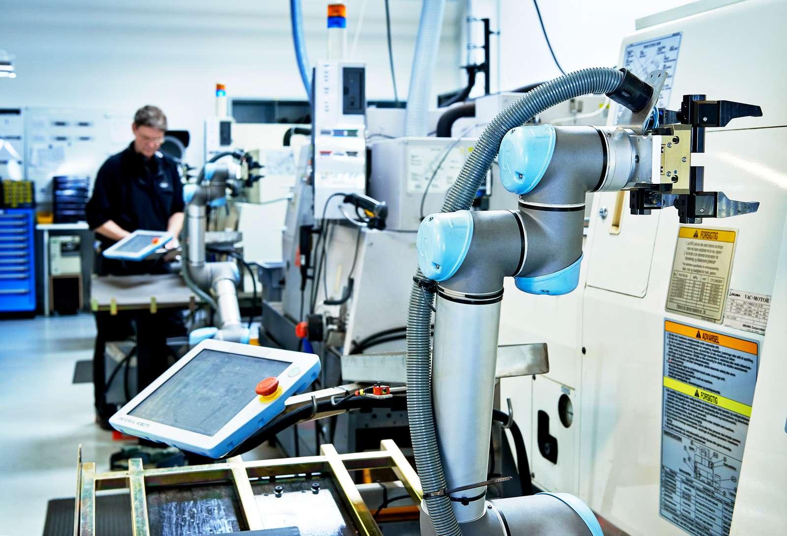 (P) Roboți colaborativi soluţii de automatizare a activităţii industriale