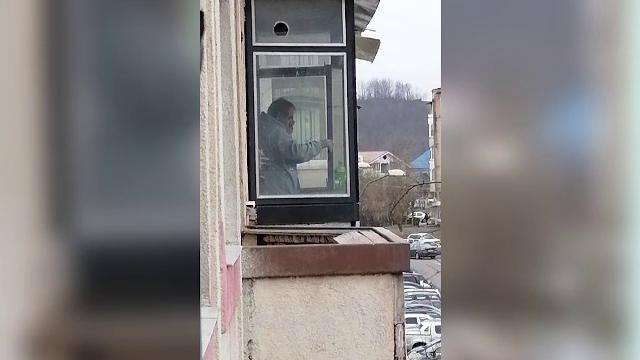 Una dintre victimele din Oneşti, lovită de gloanţele poliţiei când încă era în viaţă