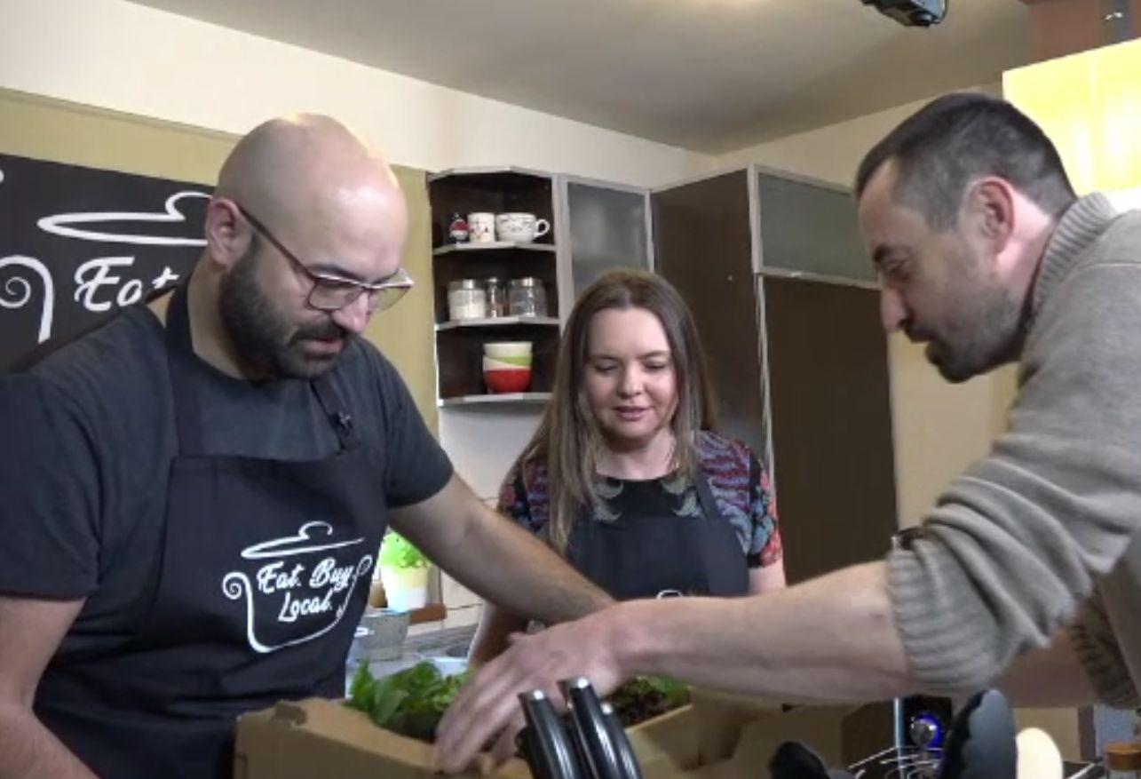 """Vizi Imre sprijină producătorii locali afectați de pandemie. Rețete speciale ale finalistului de la """"Vocea României"""""""
