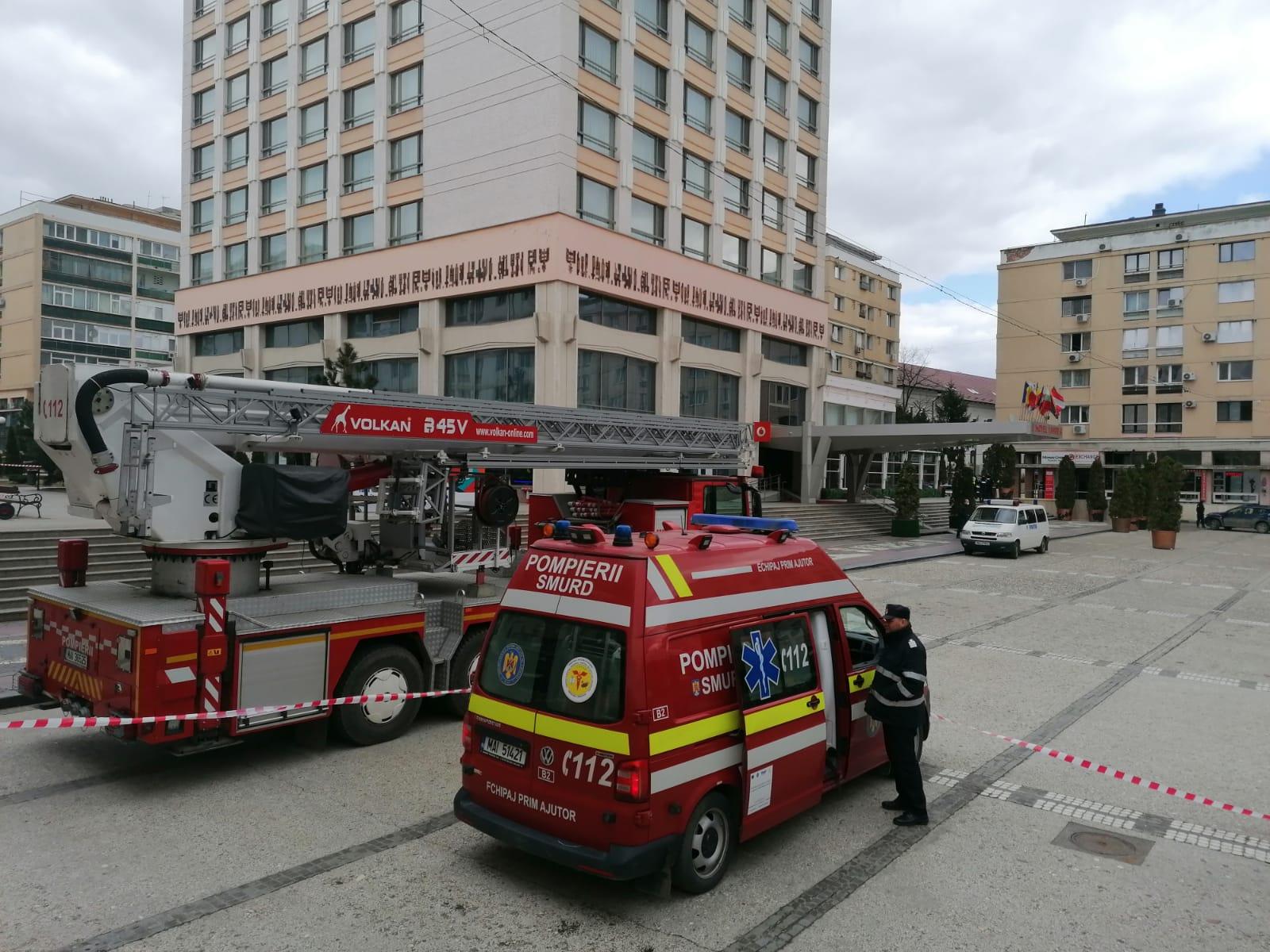 Alertă falsă cu bombă la un hotel din Iași. Este căutată persoana care a sunat la 112