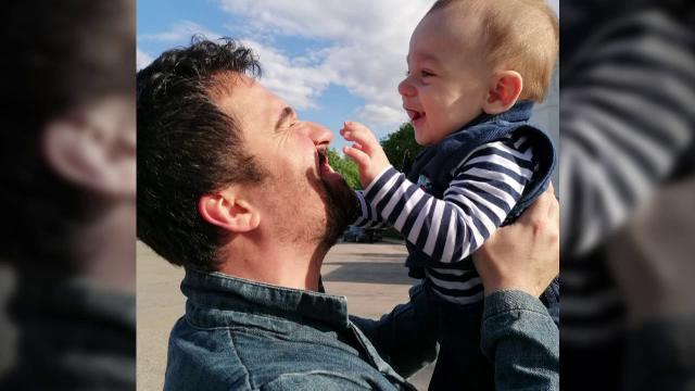 La doar 1 an și jumătate, Fabian are o formă agresivă de cancer. Tratamentul care îi poate salva viața costă 500.000 de euro