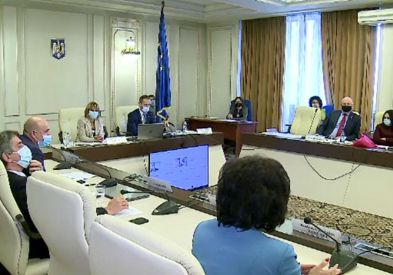"""Certuri în Parlament pe banii europeni care nu au ajuns încă. """"Ce, dacă sunteţi la guvernare faceţi toate regulile?"""""""