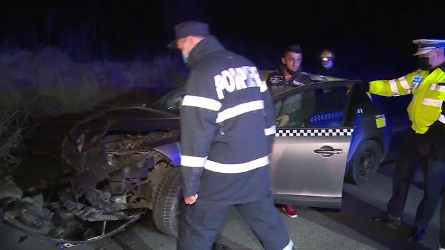Un taximetrist a lovit din spate mașina unor turci, în Dâmbovița. Cum își explică faptul că i-a văzut