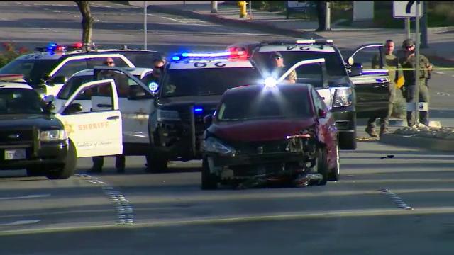 Urmărire ca în filme în Los Angeles, după ce un individ a lovit mașina unui polițist