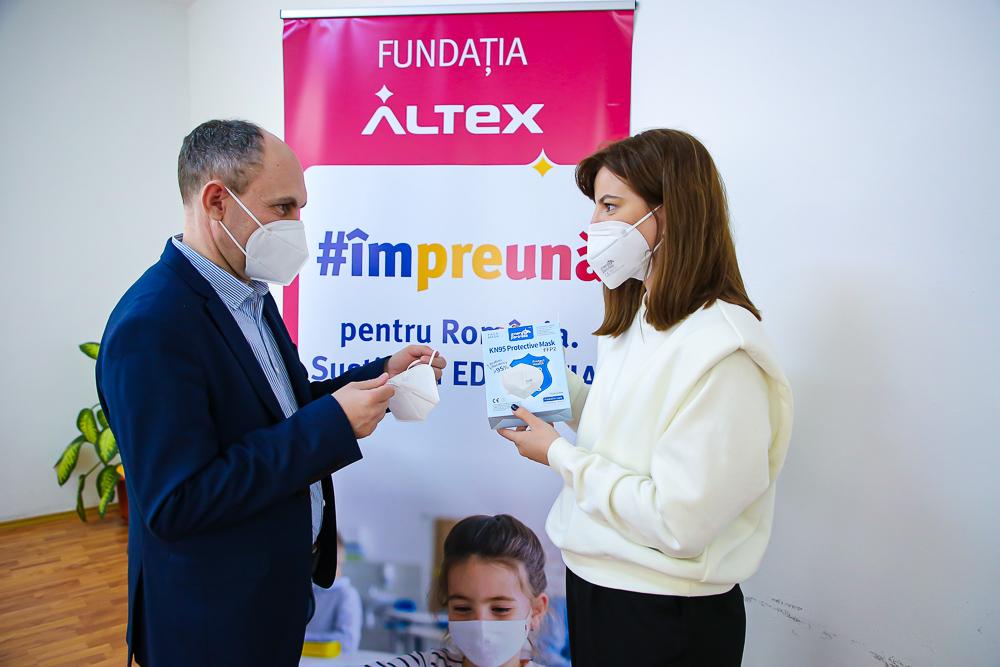 (P)Fundația Altex a livrat către Inspectoratele Școlare Județene toate cele peste 540000 de echipamente de protecție ridicată
