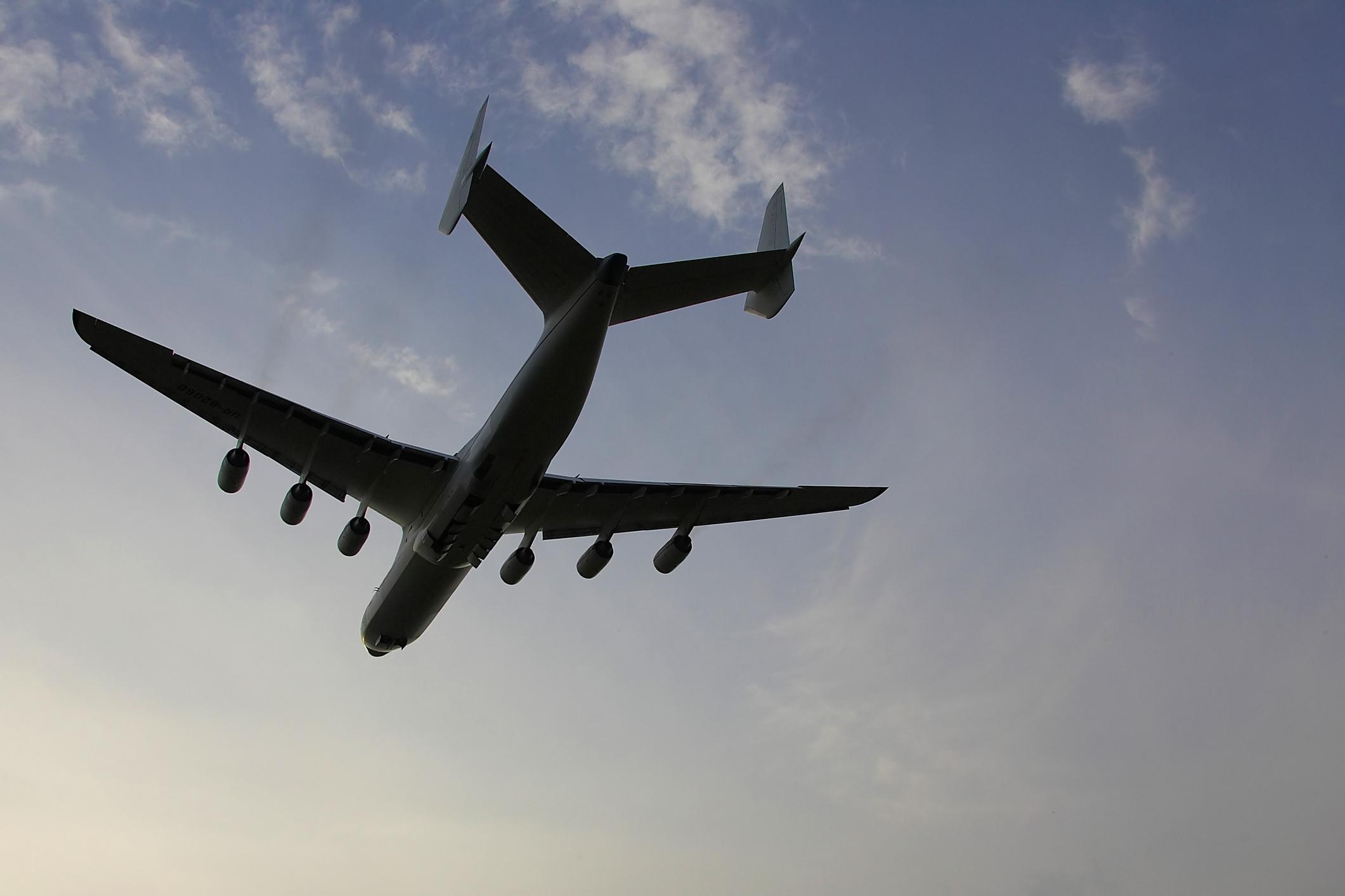 UE: Companiile aeriene au încălcat drepturile pasagerilor în pandemie