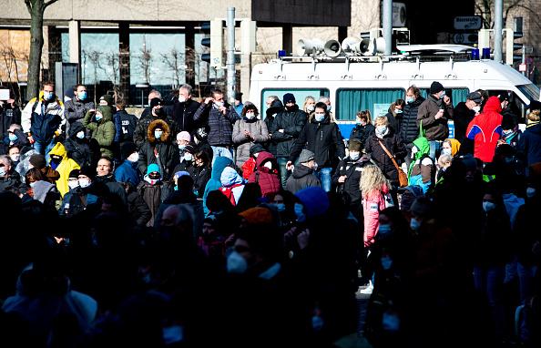Proteste față de restricțiile impuse în pandemie, în mai multe orașe din Germania. VIDEO