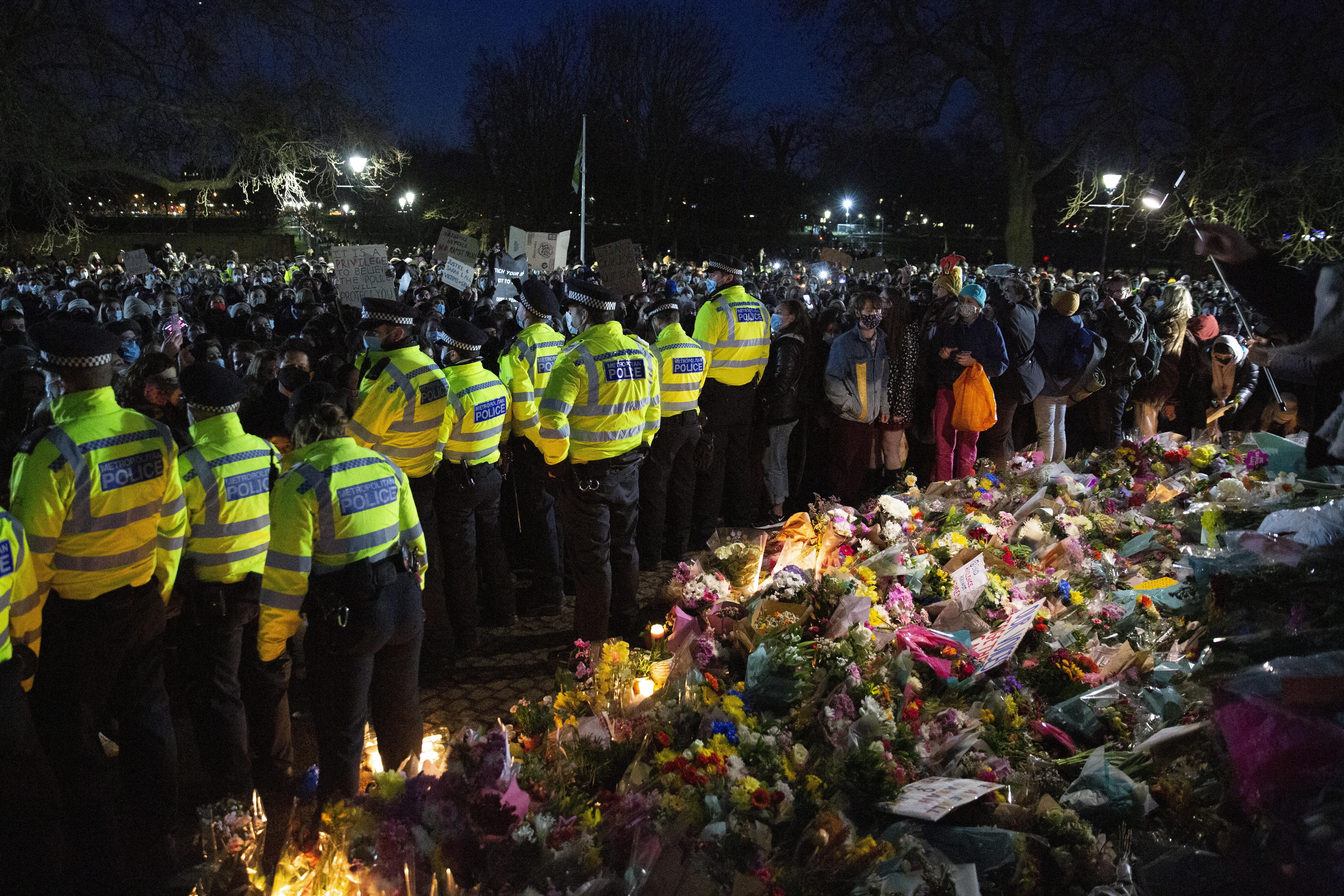 Proteste în Marea Britanie, după ce o tânără a fost ucisă de un polițist
