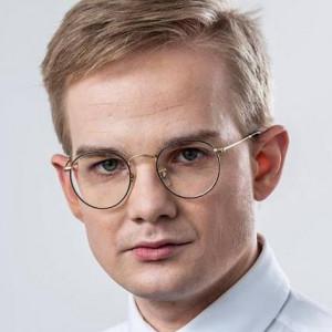 """O imagine cu un membru al Guvernului polonez a devenit virală. """"Arată ca un copil de 12 ani"""""""