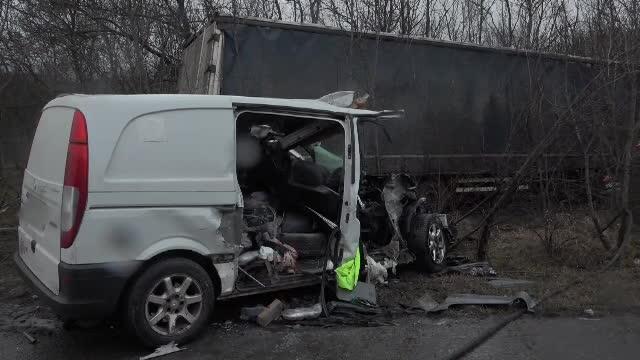 Accident înfiorător în Buzău, din cauza unui TIR care a intrat pe contrasens
