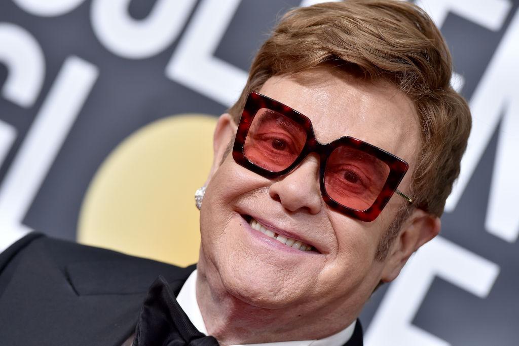 Elton John acuză Vaticanul de