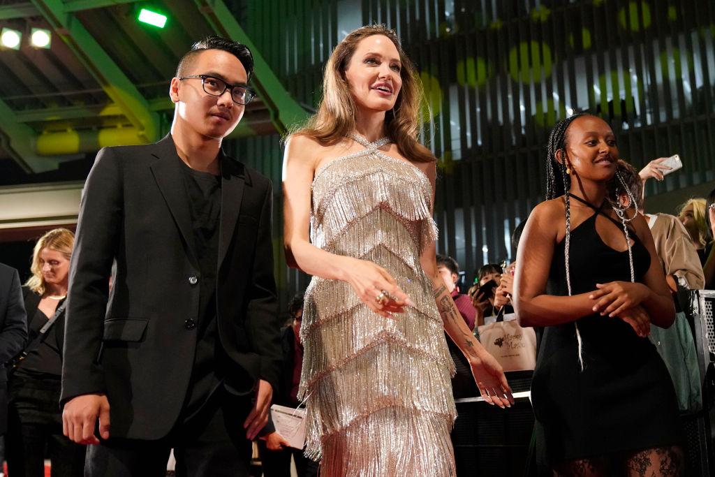 """Angelina Jolie s-a folosit de fiul ei Maddox în procesul de custodie cu Brad Pitt. A spus lucruri """"deloc măgulitoare"""""""