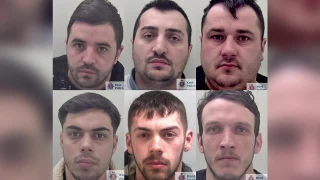 Șase români au fost condamnați în Marea Britanie pentru mai multe furturi din bancomate