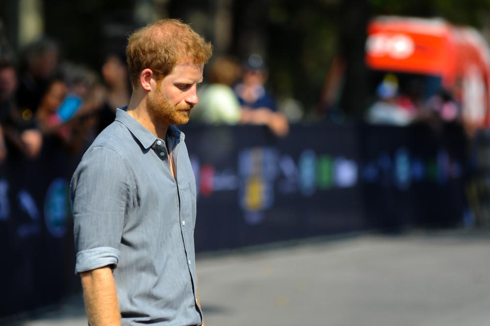 """Prinţul Harry a părăsit Marea Britanie pentru a """"rupe ciclul"""" suferinţei în familia sa"""
