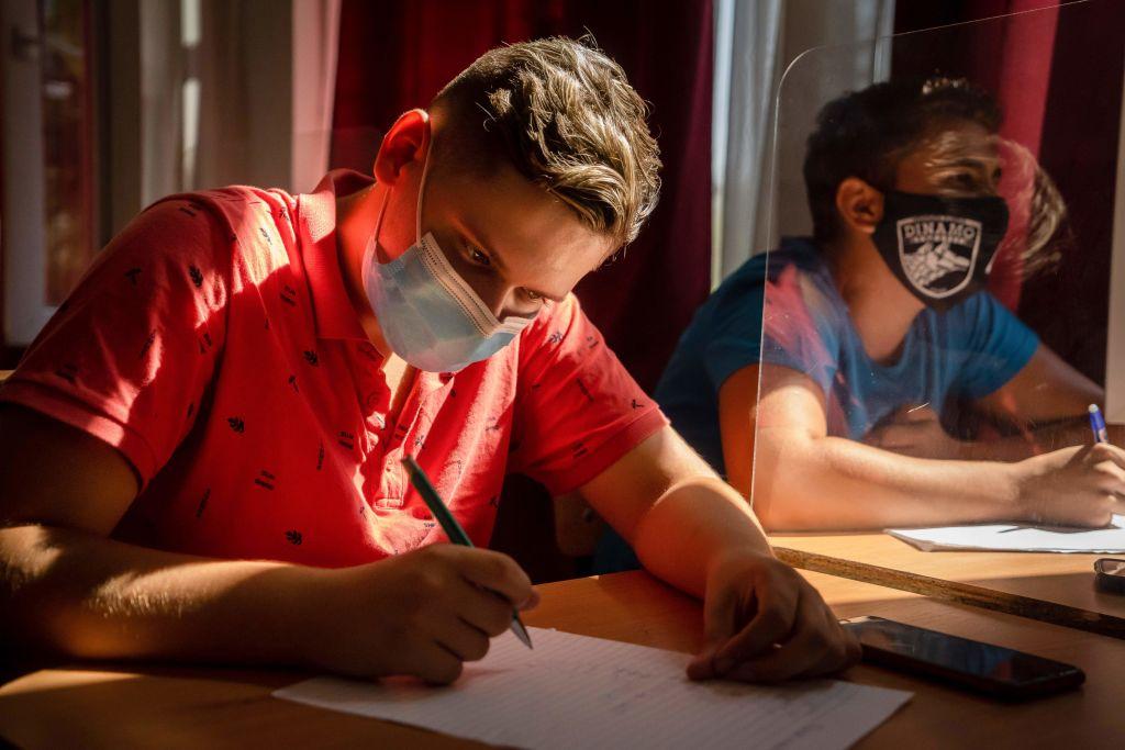 Un tânăr de la casa de copii din Alba a intrat la două facultăți de medicină