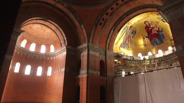 BOR strânge bani pentru pictarea Catedralei Mântuirii Neamului, după ce Guvernul a tăiat fondurile
