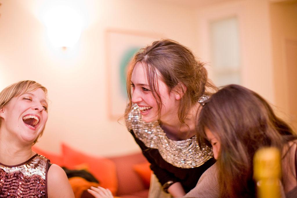 O englezoaică leșină și de 50 de ori pe zi, la cea mai mică emoție, chiar și când râde. De ce afecțiune suferă
