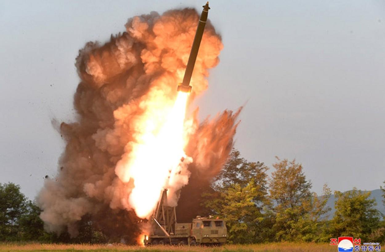 Coreea de Nord a efectuat primul test de rachete din timpul administraţiei preşedintelui american Biden