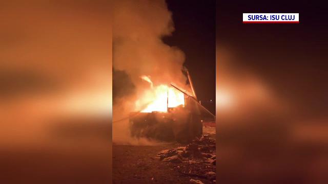 O femeie a ars de vie după ce a uitat o oală pe foc. Cabana s-a făcut scrum