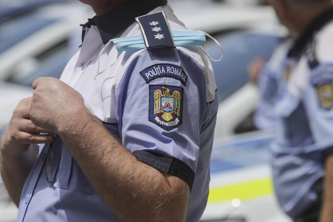 Un infractor eliberat din penitenciar s-a plimbat îmbrăcat în polițist prin fața sediului Poliției Huși