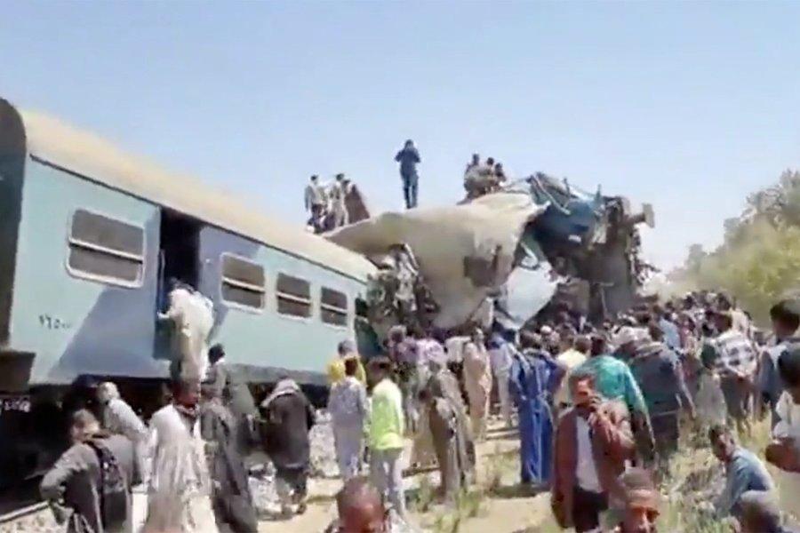 Video. Coliziune între două trenuri în Egipt: cel puţin 32 de morţi şi 66 de răniţi