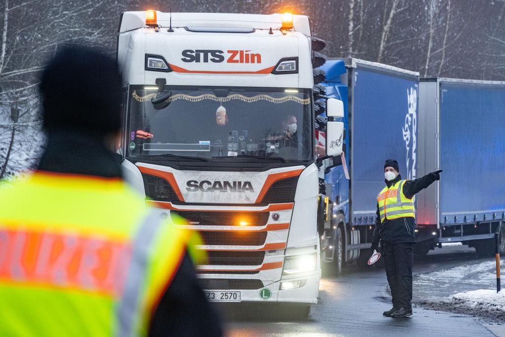 Amendă de 158.000 de euro după ce un șofer de TIR român a încălcat legea în Germania