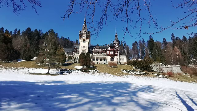 Castelul Peleș intră, în sfârșit, în reparații. Câți bani aduce muzeul, chiar și în pandemie