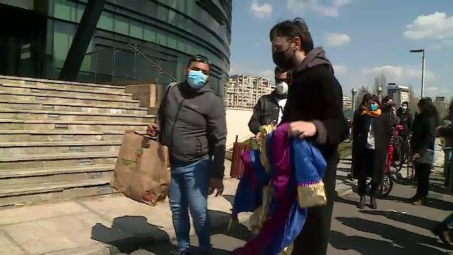 Actorii au protestat în fața Ministerului Culturii. Unii artiști au renunțat la diplome