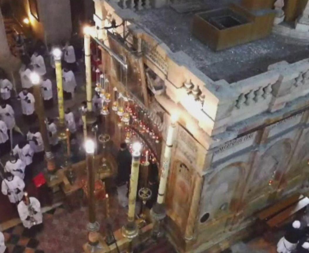Biserica Sfântului Mormânt a fost deschisă publicului pentru Floriile Catolice. Slujbă restrânsă la Vatican