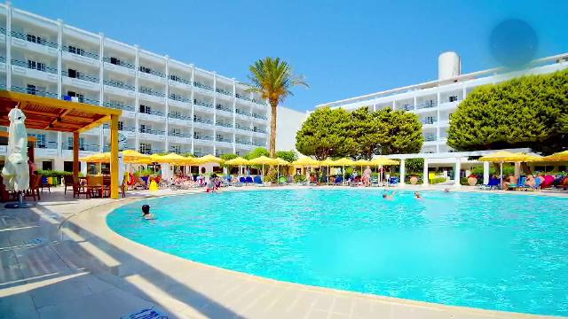 Un grup de olandezi va pleca într-o vacanță-test în Grecia. Autoritățile vor să afle cât de mare este riscul de infectare