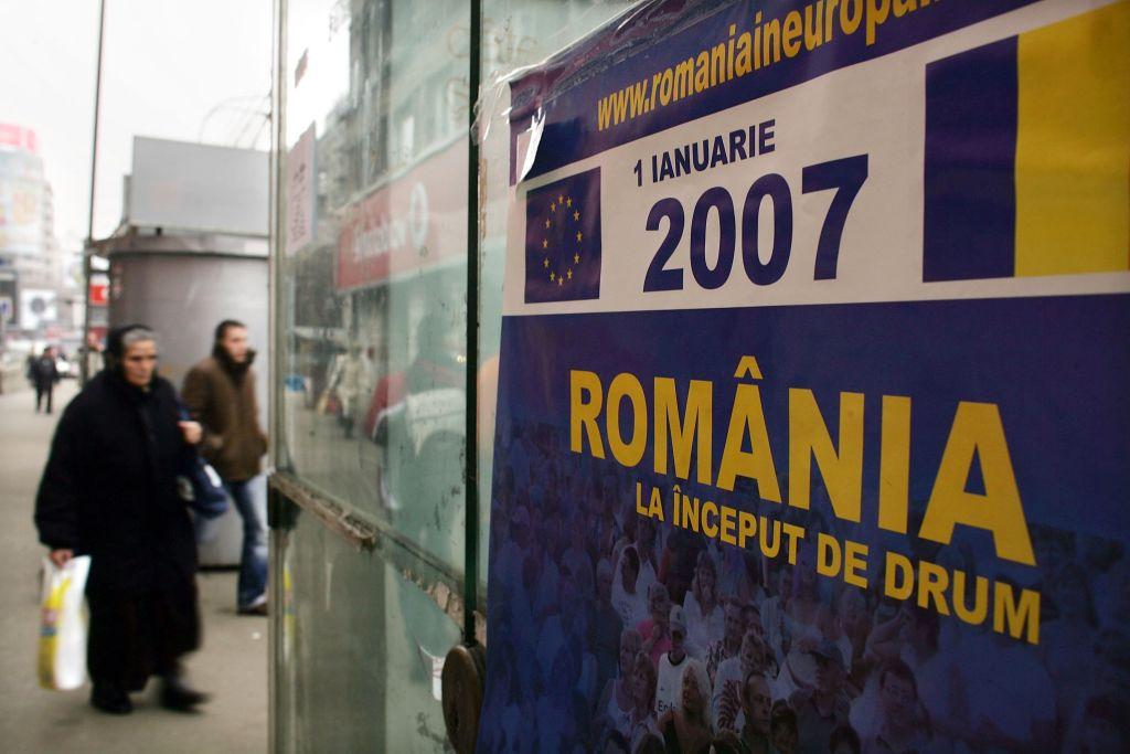 Sondaj: Majoritatea românilor cred că sunt priviţi drept