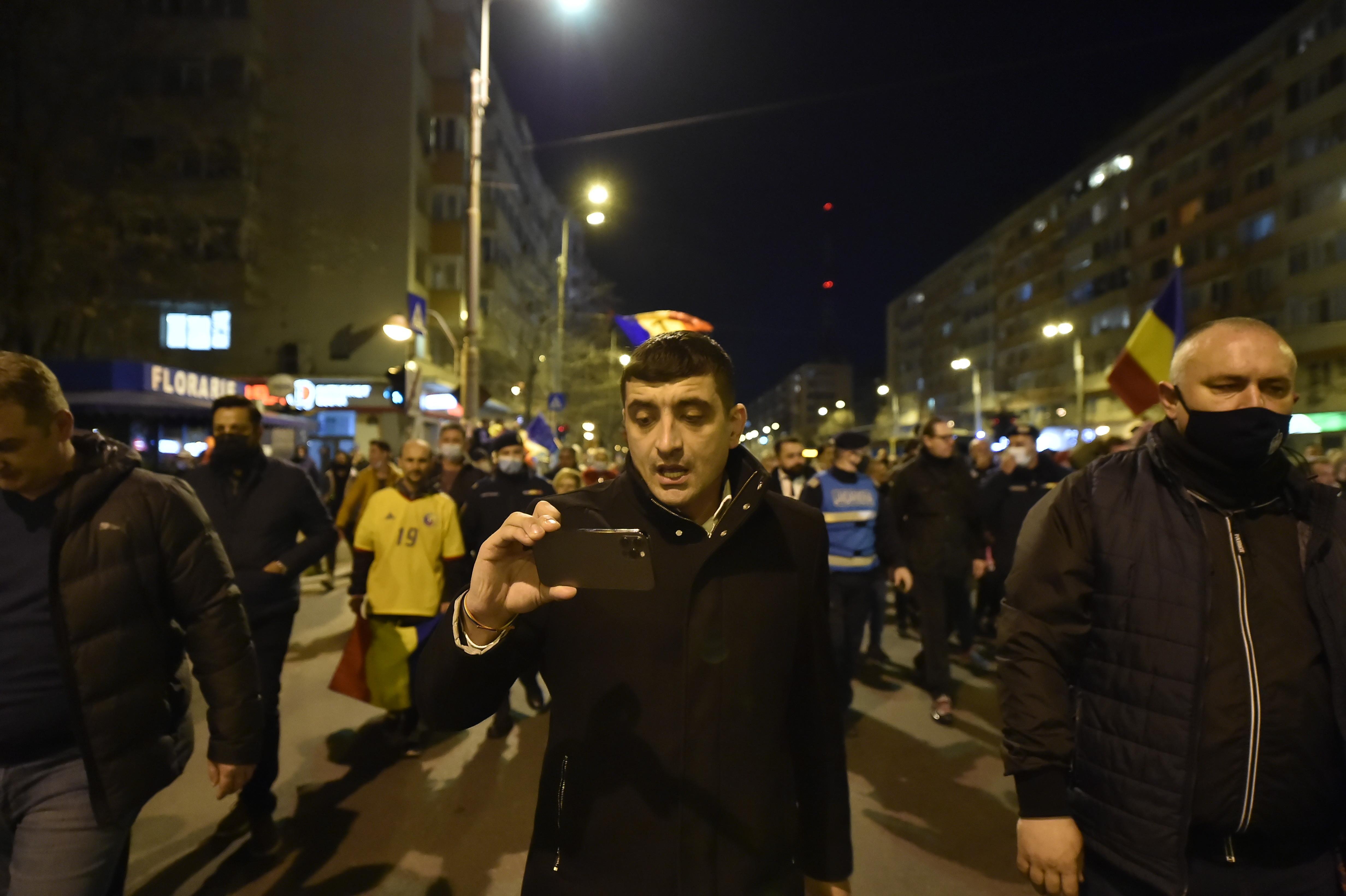 """George Simion (AUR): """"Sistemul este foarte deranjat de protestele românilor. Nu trebuie şi nu vor înceta"""""""